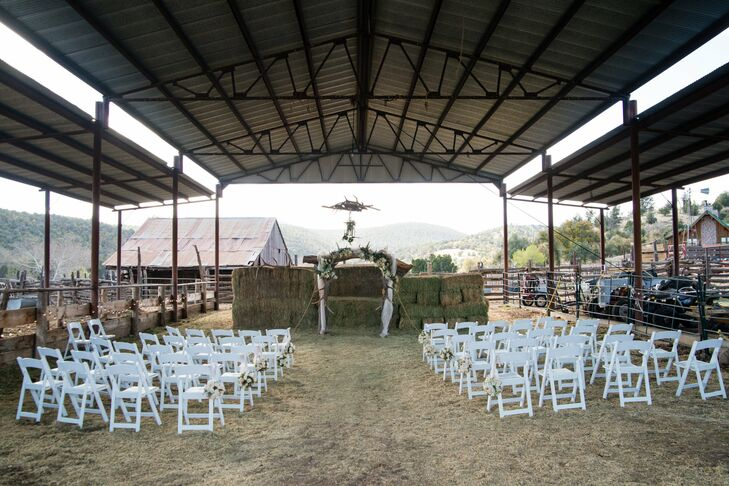 This hay-lined stable served as the perfect ceremony location for Melissa and Todd.