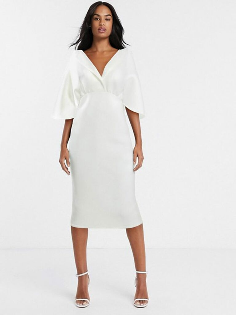 6 Chic Courthouse Wedding Dresses To Make It Official