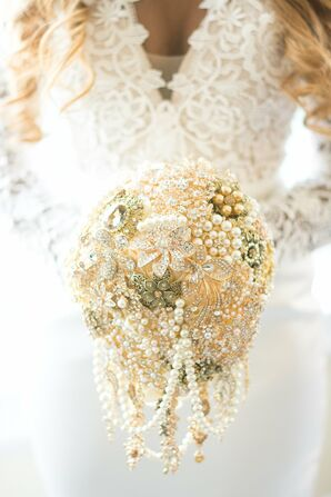 Elegant Brooch Bouquet