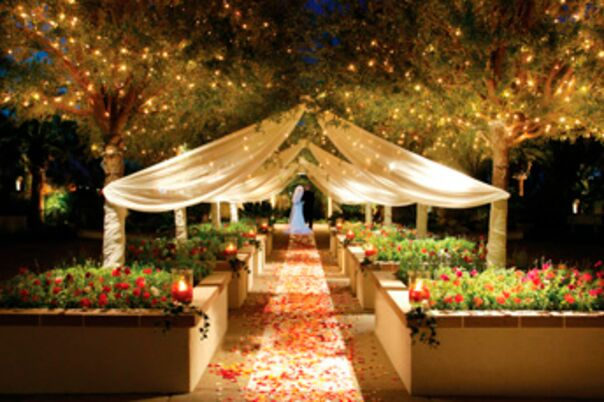 Cheap wedding venues las vegas mini bridal for Affordable vegas weddings