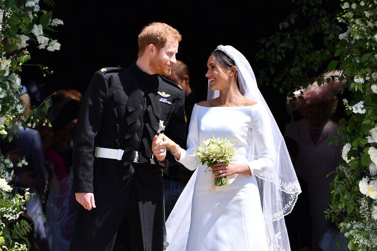 meghan markle wedding dress and prince harry