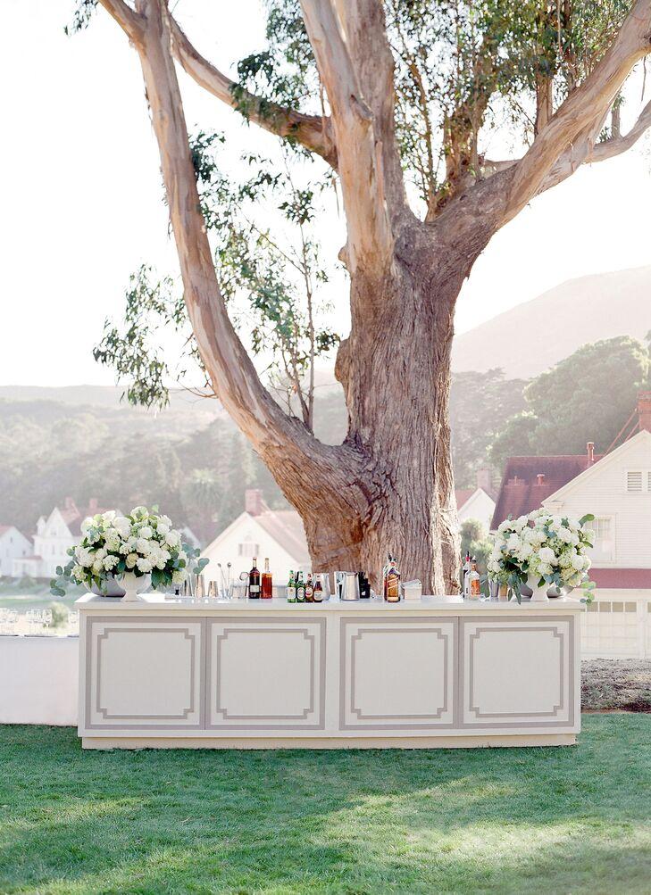 Elegant Outdoor Cocktail Bar