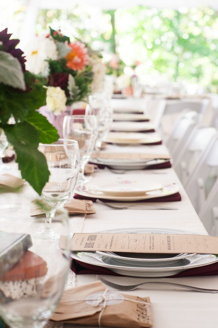 Each place setting featured mismatched vintage china that Lauren and her mother collected.