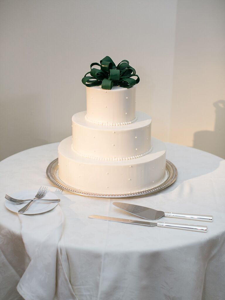 A winter holiday-themed wedding cake