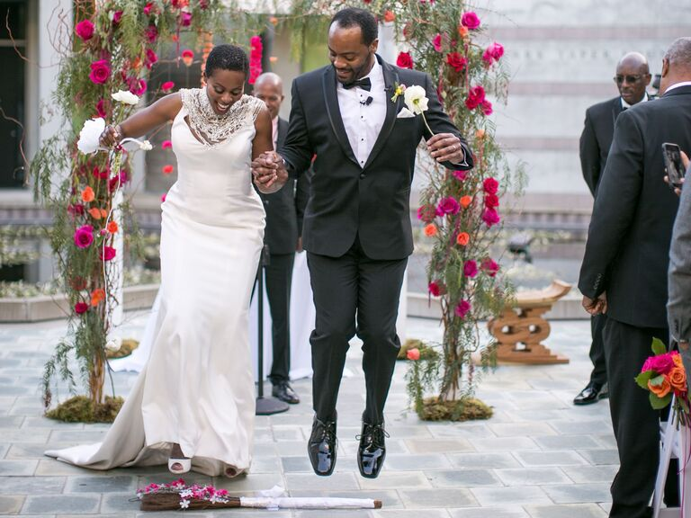 American Wedding Traditions.8 African American Wedding Traditions