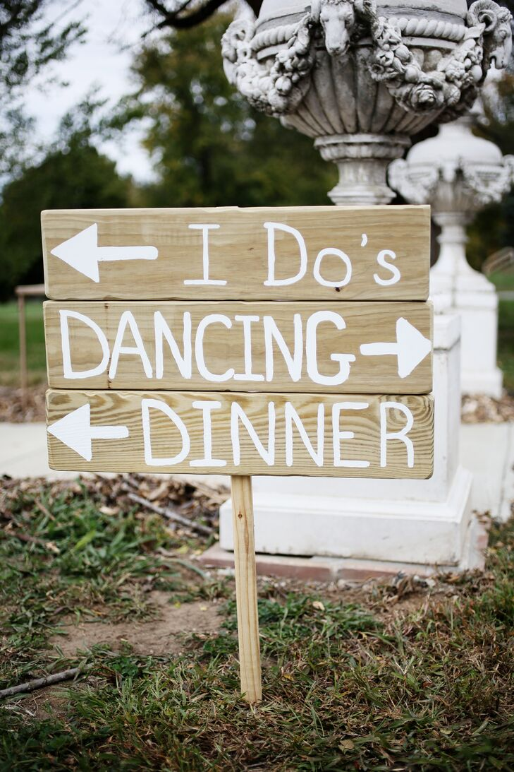 Rustic DIY Wooden Wedding Sign