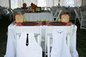 Sweetheart Table, Mr and Mrs Aprons