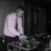 Clinton, WI Mobile DJ | Professional Bilingual DJ for All Festive Events!