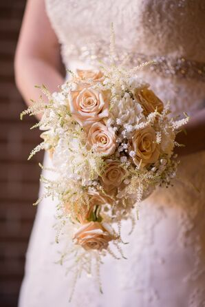 Vintage-Inspired Ivory Rose Bouquet