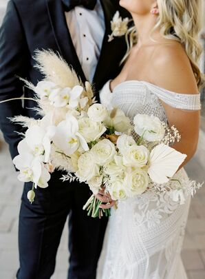 All-White Bouquet With Pampas, Rananculus and Rose