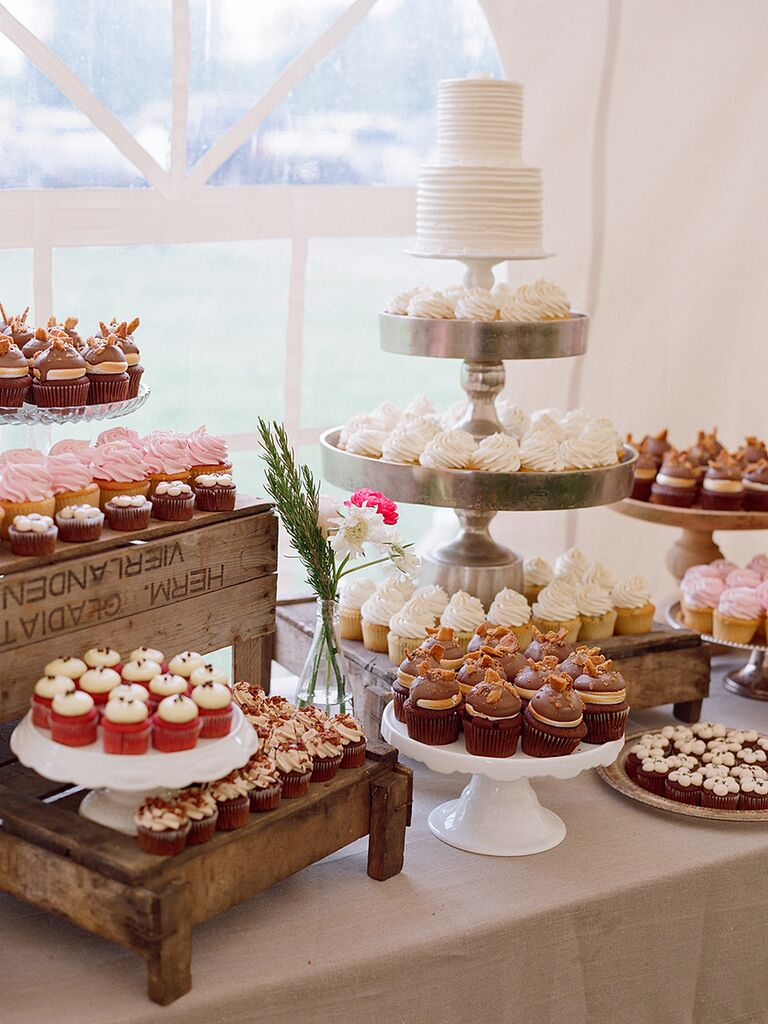 16 Beautiful Wedding Cupcake Ideas