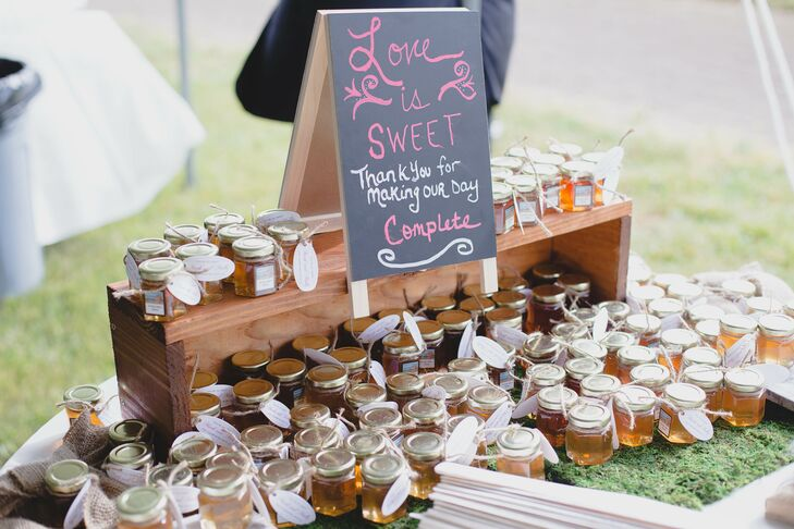 Diy Honey Wedding Favors