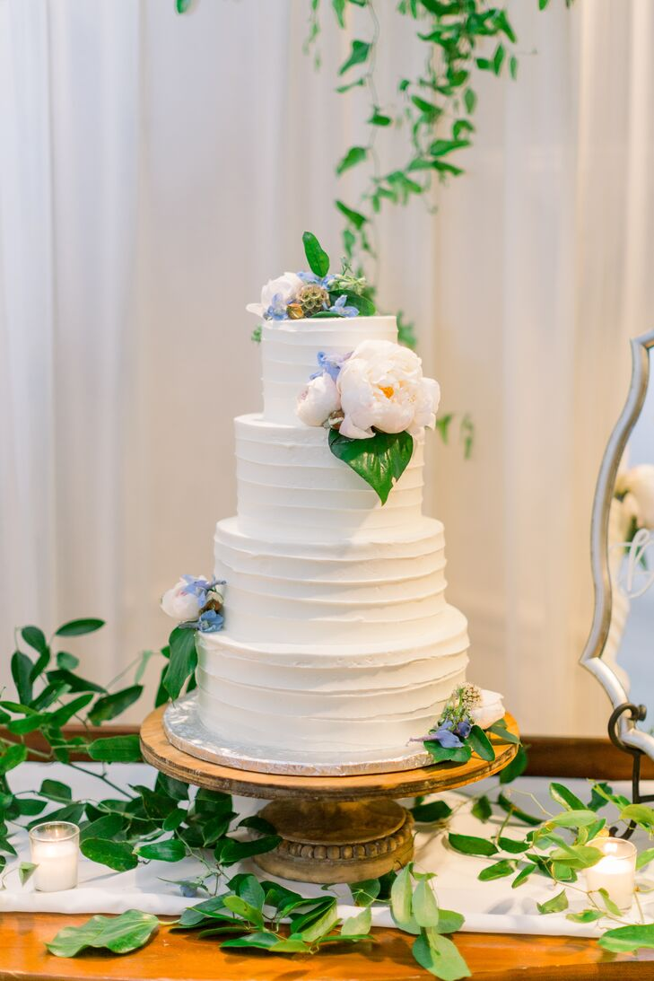 Classic Tiered Wedding Cake with Flowers
