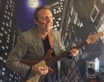 Kerry Burnham - Singer Guitarist - Minneapolis, MN
