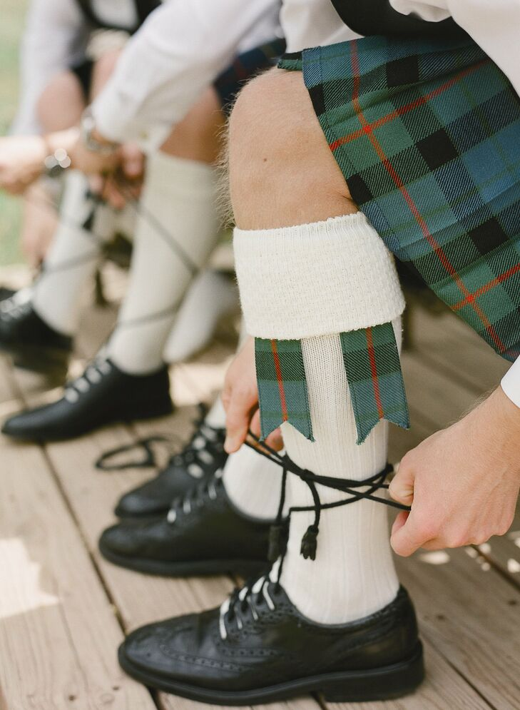 The groomsmen all wore full kilt regalia, including the lace up Ghillie brogues.