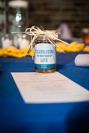 Jars of Honey Wedding Favors