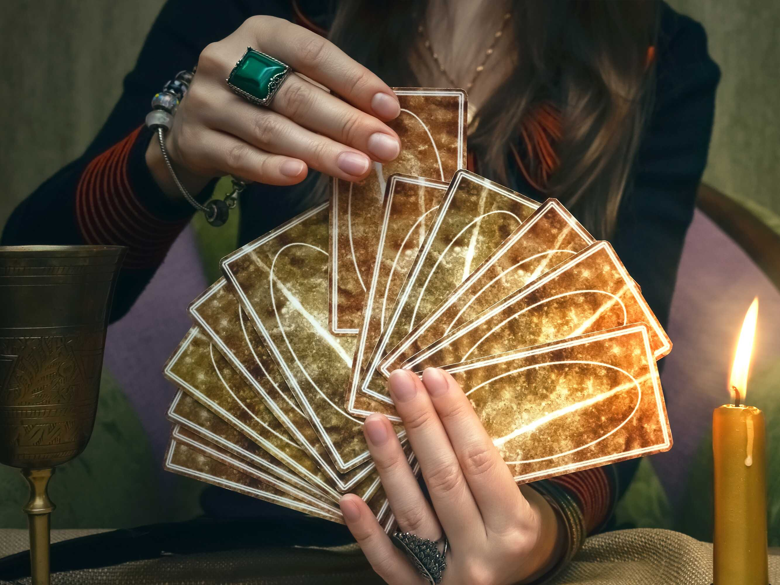 party-entertainment-tarot-card-reader-istock