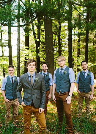 Casual Groomsmen | Redfield Photography | Blog.theknot.com