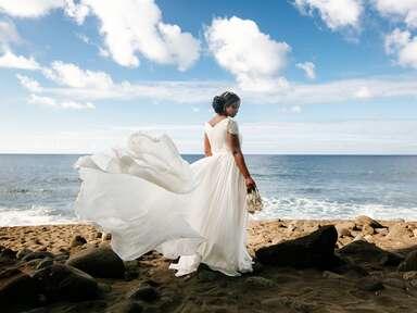 Bride wearing Reem Acra dress at Kailua-Kona, Hawaii destination wedding