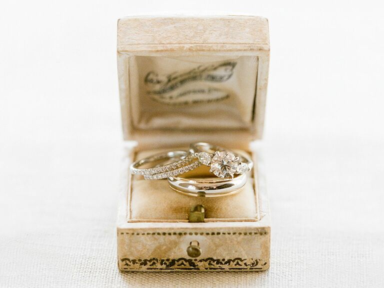 Engagment rings in ring box