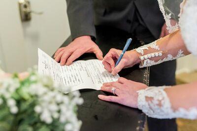 Hand In Hand Wedding Ceremonies of MI, LLC