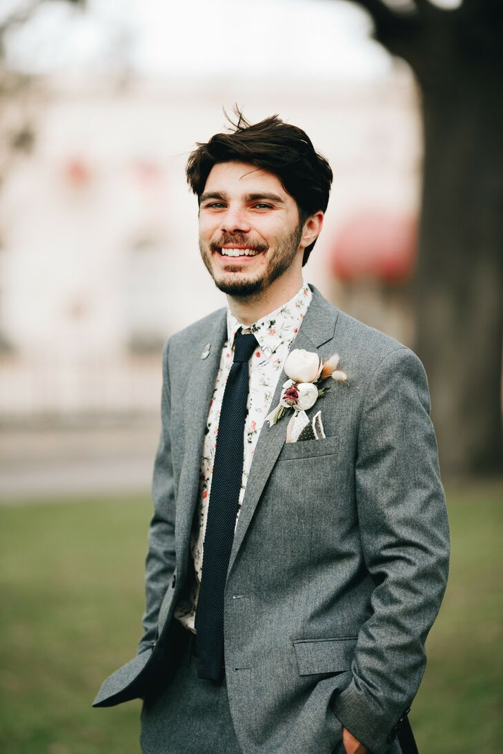 Southern Groom in Classic Gray Suit and Patterned Shirt, Tie and Pocket Square