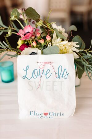Love is Sweet Taffy-Filled Favor Bags