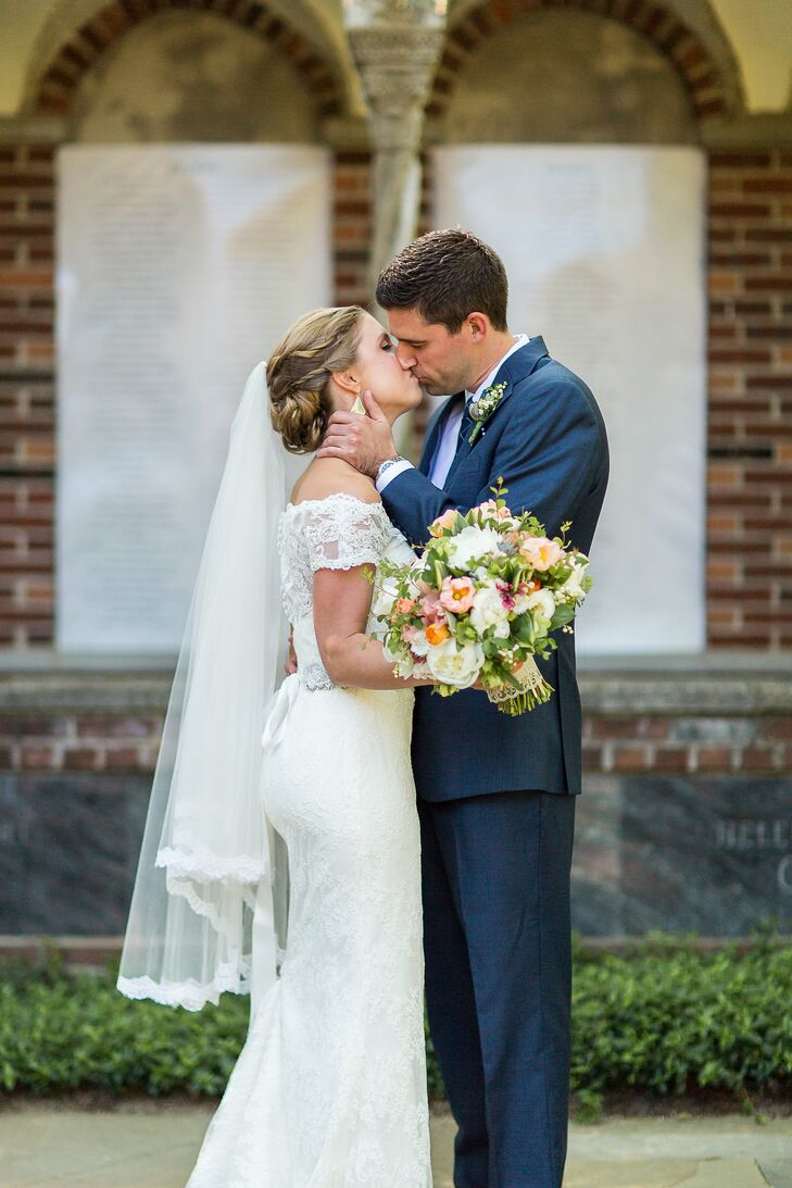 Elizabeth Seasholtz (29 and a digital editor) and Ryan Olech (29 and a senior audit consultant) say choosing to get married at A