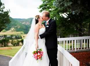For their classic Colorado wedding, Anneli Martinek and Graham Taylor chose to exchange vows at The Manor House in Littleton, Colorado, for its perfec