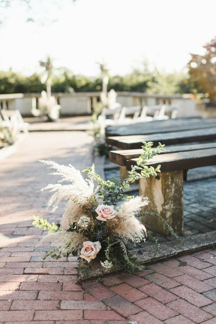 Boho Aisle Decoration with Quicksand Roses and Grasses