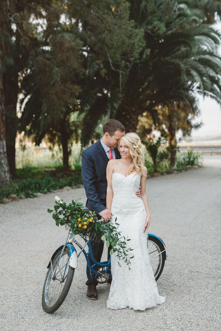 The cozy outdoor vibe of the historicMcCormick Home Ranch in Camarillo, California, set the scene for this romantic wedding with vintage and rustic e
