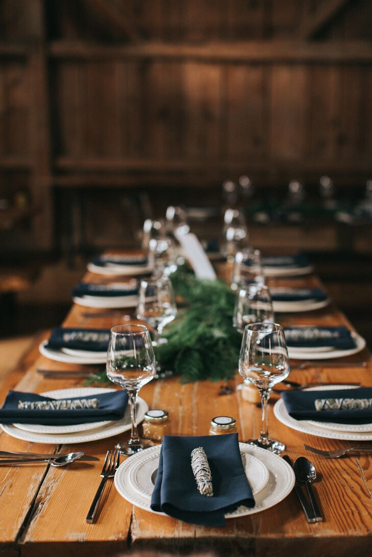 As a nod to their respective roots, Shane and Lexie placed jars of New Hampshire honey and bundles of New Mexican sage at each place setting. In addition to thanking guests for supporting the couple on their wedding day, the favors played up the rustic flair of the tablescapes.
