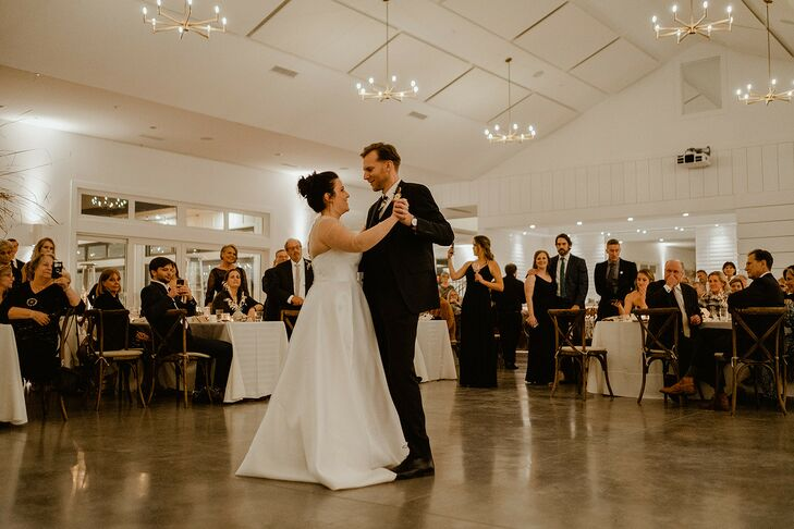 Classic First Dance at Hutton House in Medicine Lake, Minnesota