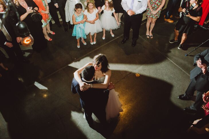 "The couple danced to Radiohead's ""True Love Waits"" to kick off the reception, maintaining their contemporary music motif. One tradition the Jewish couple kept? The hora, of course!"