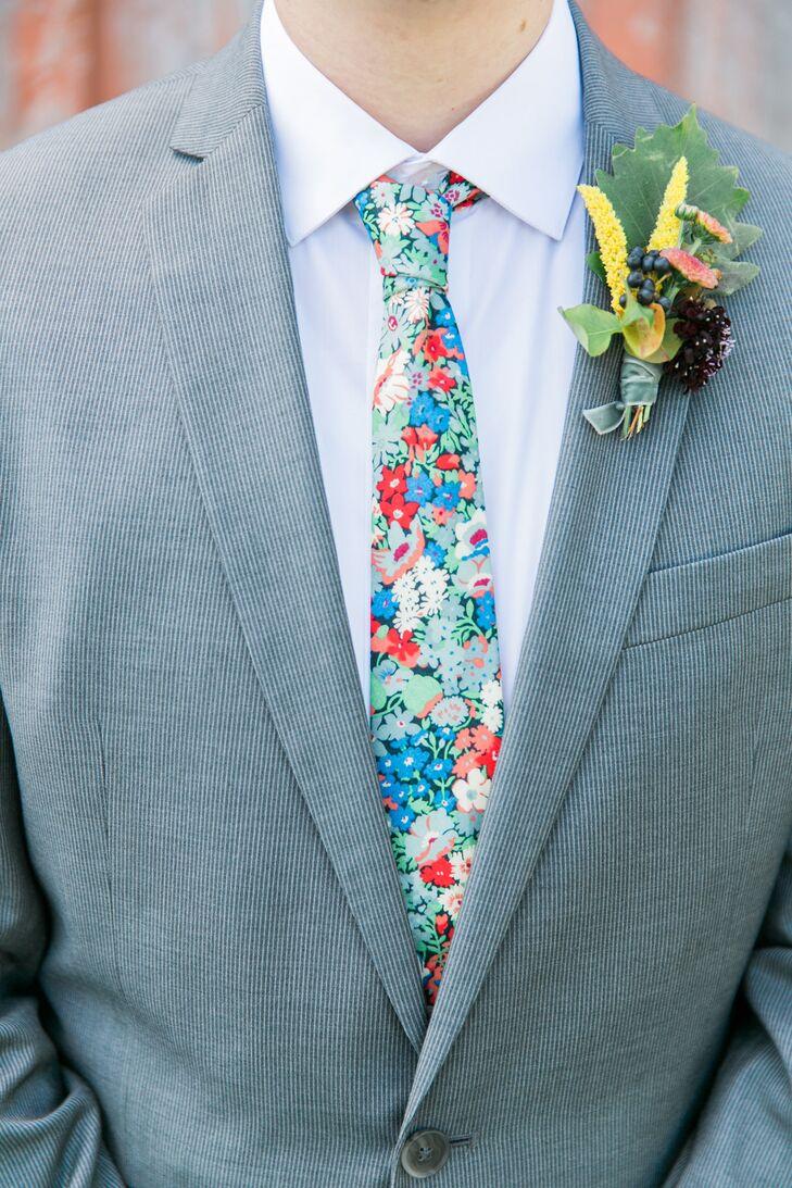 Bold Floral-Print Tie