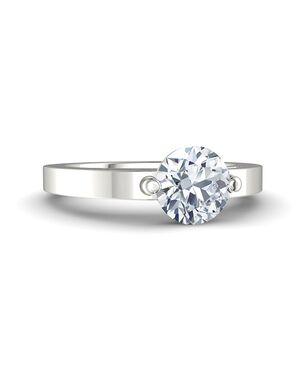 Gemvara - Customized Engagement Rings Round Cut Engagement Ring