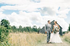 Rustic Couple at a Barn in Houghton, Michigan