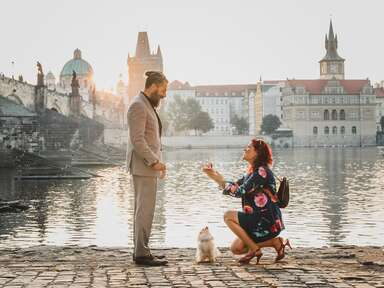 Woman proposing to man with dog