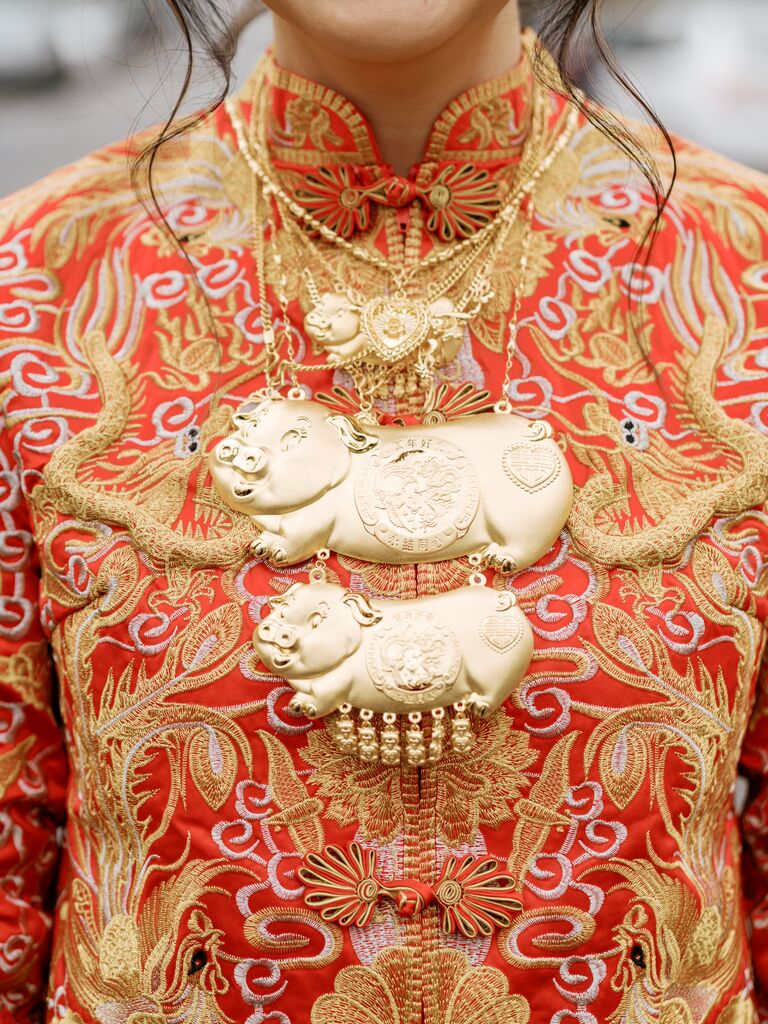 Gold pig necklace for Chinese wedding