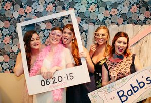 DIY Wedding Reception Photo Booth