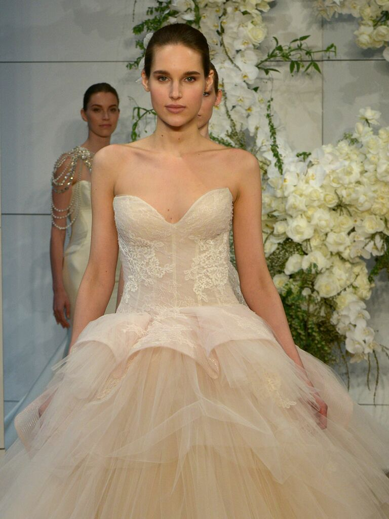 Monique Lhuillier Spring 2018 Collection: Bridal Fashion Week Photos