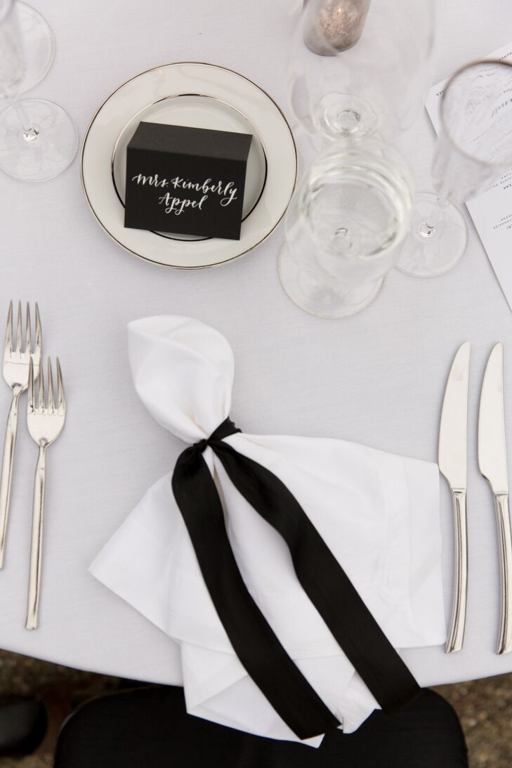 Simple Elegant Black And White Table Settings,Good Plants For Office Spaces