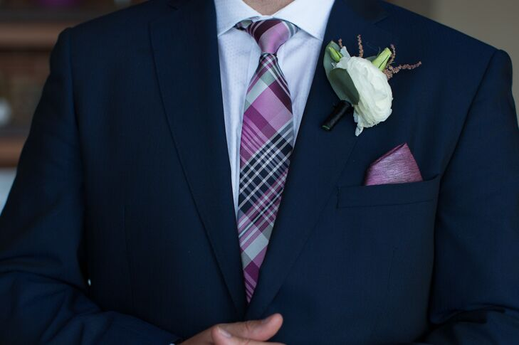 Scott's white ranunculus boutonniere went perfectly with his navy suit, purple plaid tie and purple pocket square.