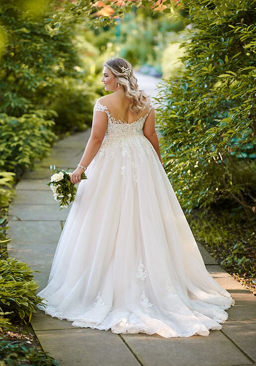 Essense of Australia D2603+ Ball Gown Wedding Dress