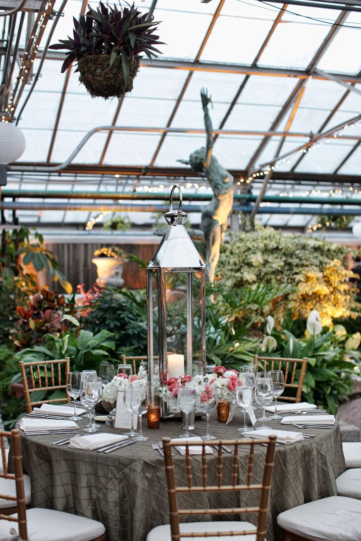 Some of the dining tables were decorated with large lanterns and candles, which looked beautiful against the green backdrop of the Horticultural Center.