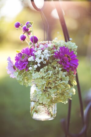 Viburnum, Thistle, Zinnia Aisle Decor