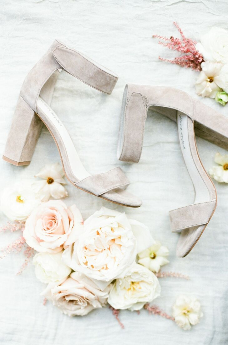 Neutral Velvet High-Heeled Shoes