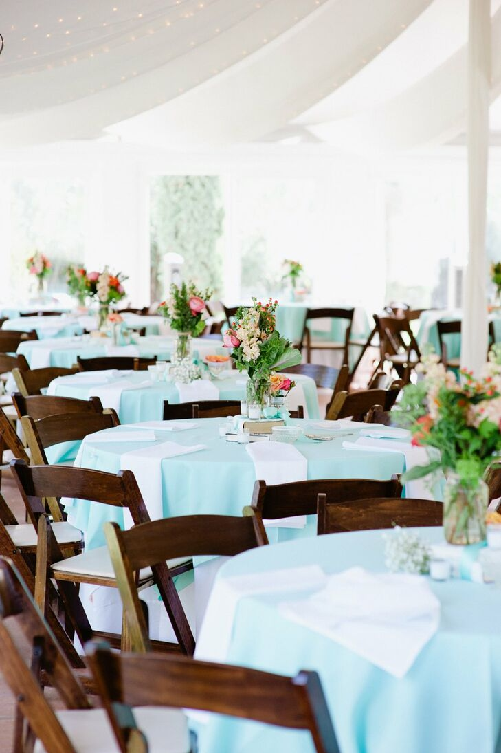 Blue and White Reception Table Decor