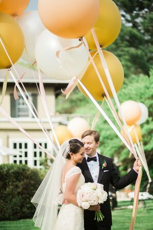 Oversize Gold and White Balloons
