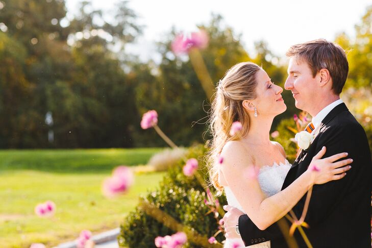"""""""We based the theme of our wedding around our venue, which reminded me of an old Southern manor house,"""" Noelle Osiecki says of exchanging vows alongsi"""